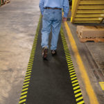 PIG® Tappeto Adesivo Grippy Safety Borders applicazione 3